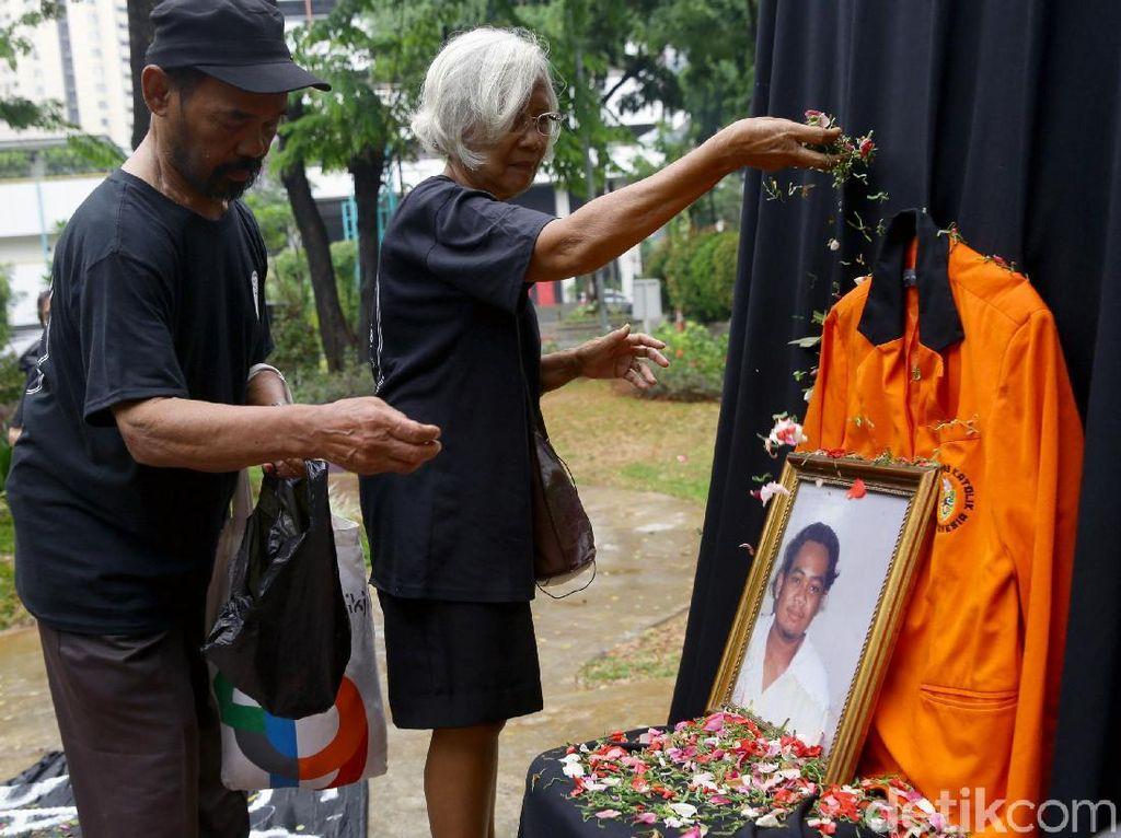 22 Tahun Tragedi Semanggi, Keluarga Korban Tagih Janji Jokowi