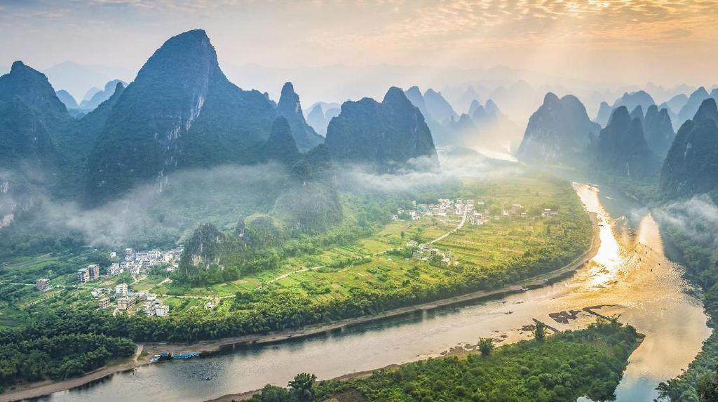 Foto: Sungai Seindah Surga dari Negeri Tirai Bambu