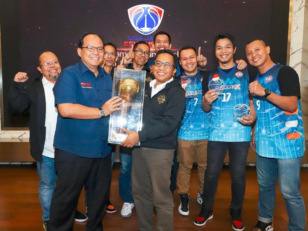 Tim Basket BRI Juara 1 Liga Basket Jasa Keuangan 2019