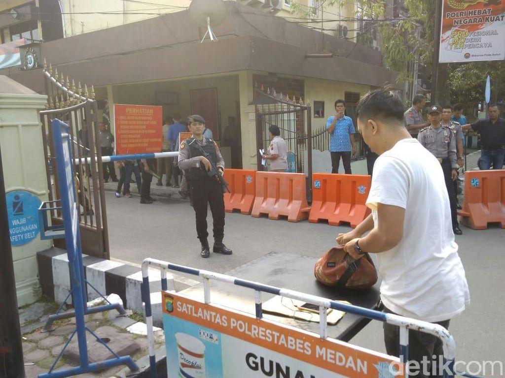 Pasca-Bom Bunuh Diri di Polrestabes Medan, Warga Ramai Urus SKCK