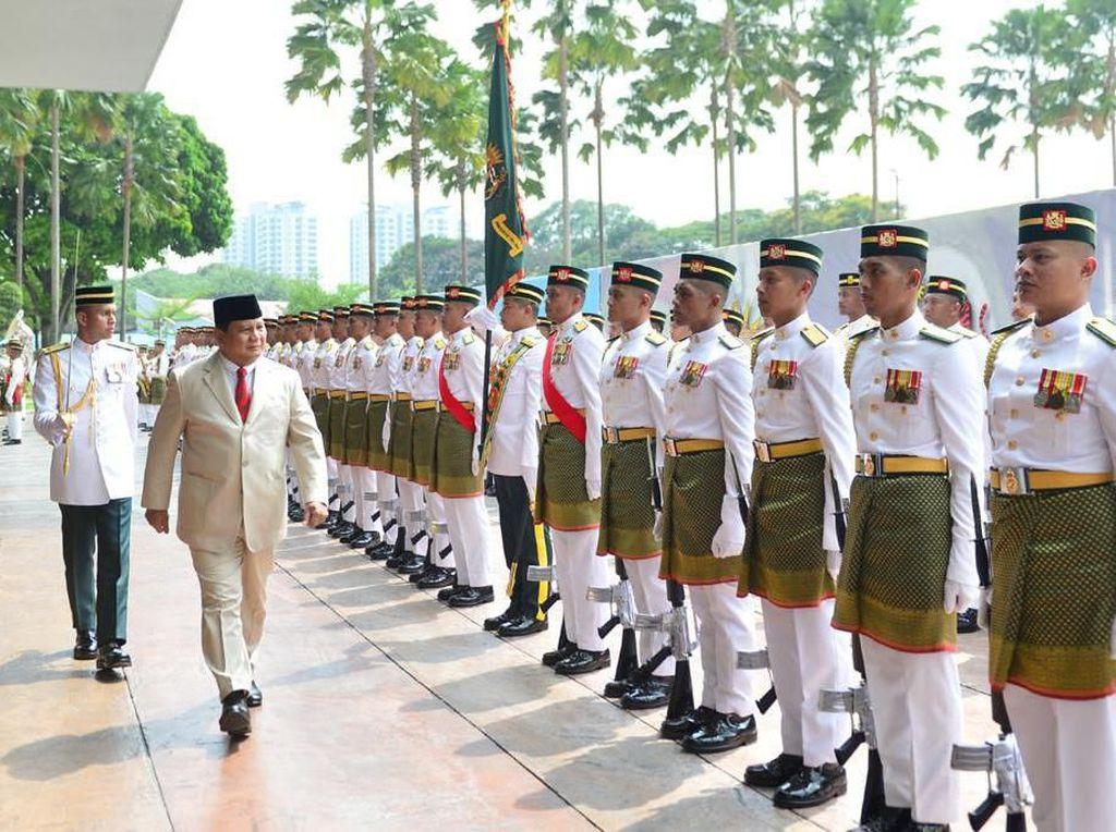 Prabowo ke 7 Negara dalam 3 Bulan, Dahnil: Diplomasi Pertahanan Penting