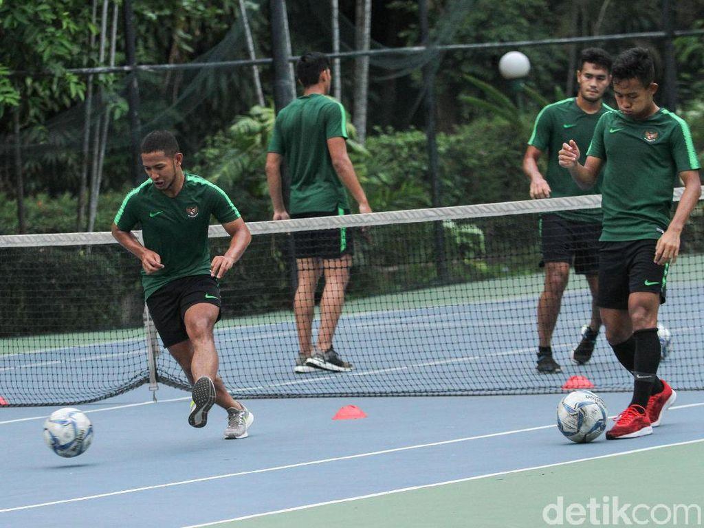 Gelar Recovery, Timnas Indonesia U-23 Latihan Ringan di Lapangan Tenis