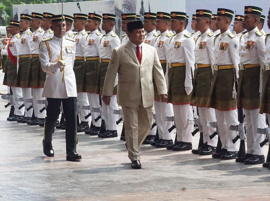 Momen Kunjungan Perdana Menhan Prabowo ke Malaysia