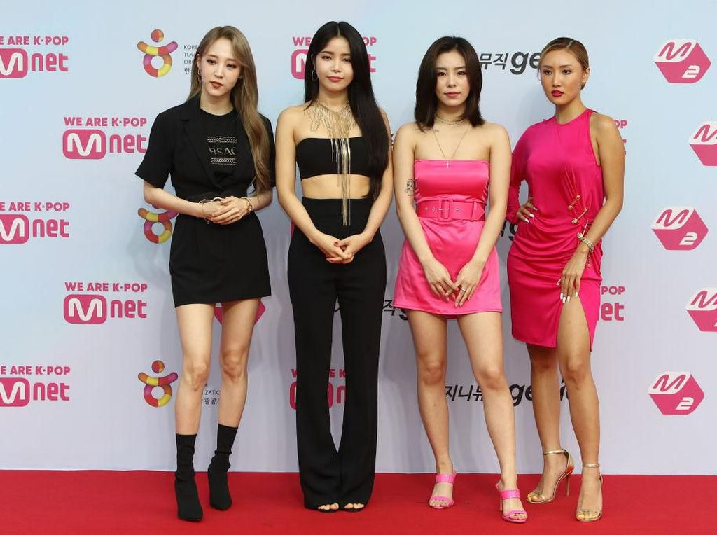 Reality in Black Milik Mamamoo Puncaki Chart Billboard
