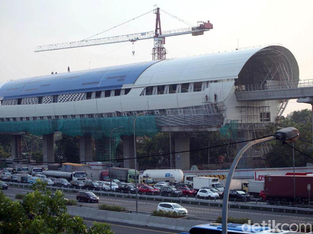 Menristek Bandingkan Teknologi LRT Jabodebek dengan MRT Jakarta