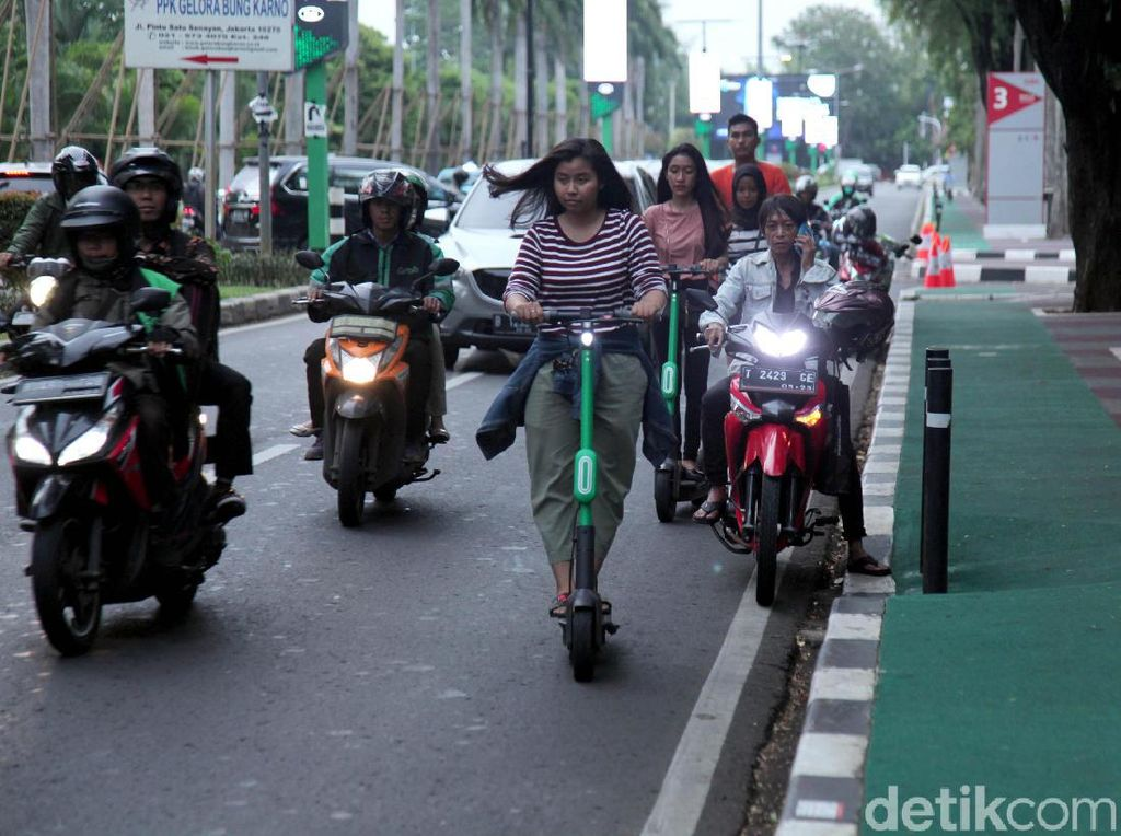 Besok, Pengguna Skuter Listrik di Jalan Raya Didenda Rp 250 Ribu