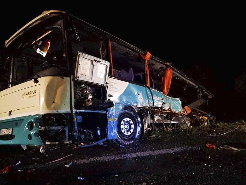 Tabrakan Maut Bus dan Truk di Slovakia, 12 Orang Termasuk 4 Anak Tewas