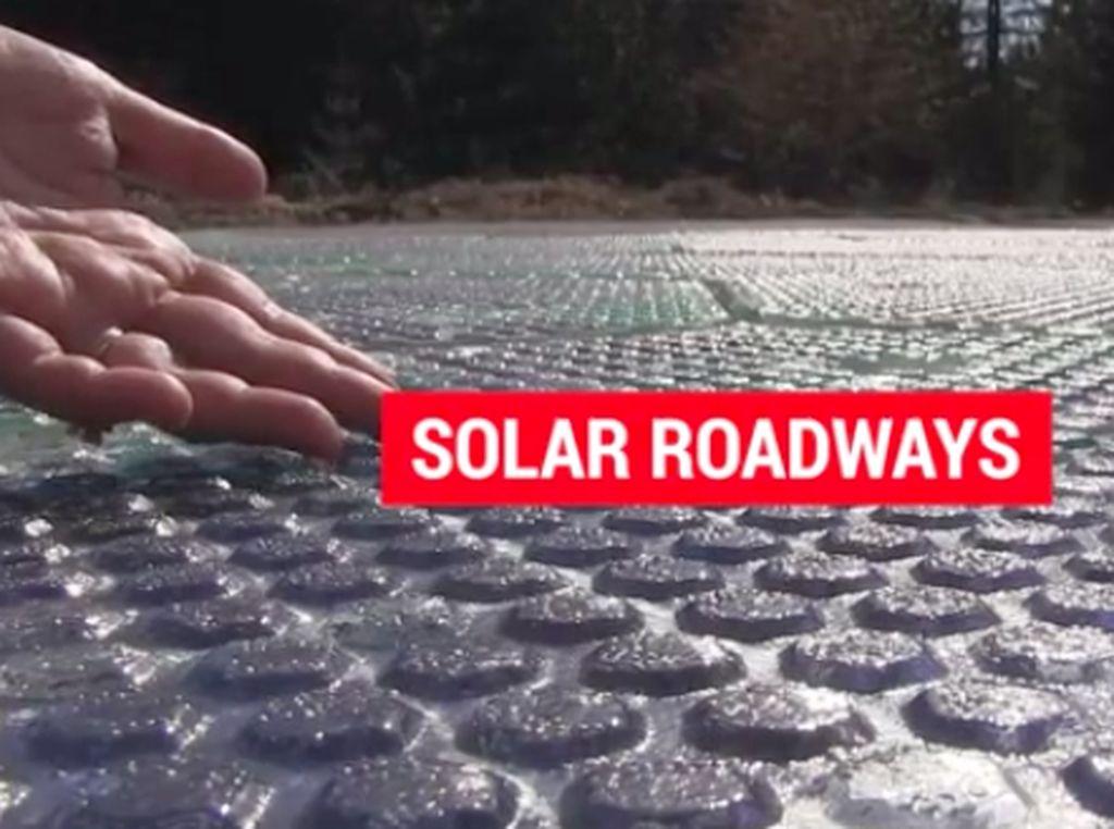 Bukan Aspal, Jalan ini Dibuat dari Panel Surya dan Bisa Cas Mobil Listrik
