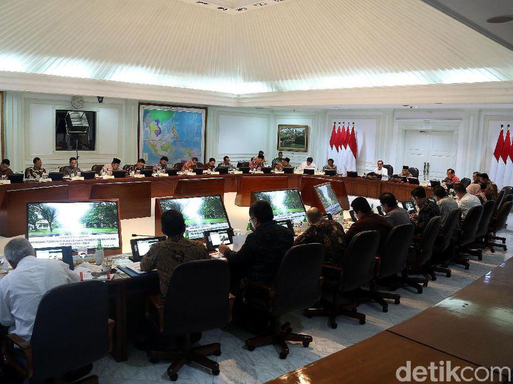 Para Menteri di Pusaran Isu Reshuffle Kabinet
