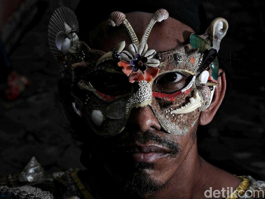 Potret Sang Maestro Seniman Kerang di Pesisir Utara Jakarta