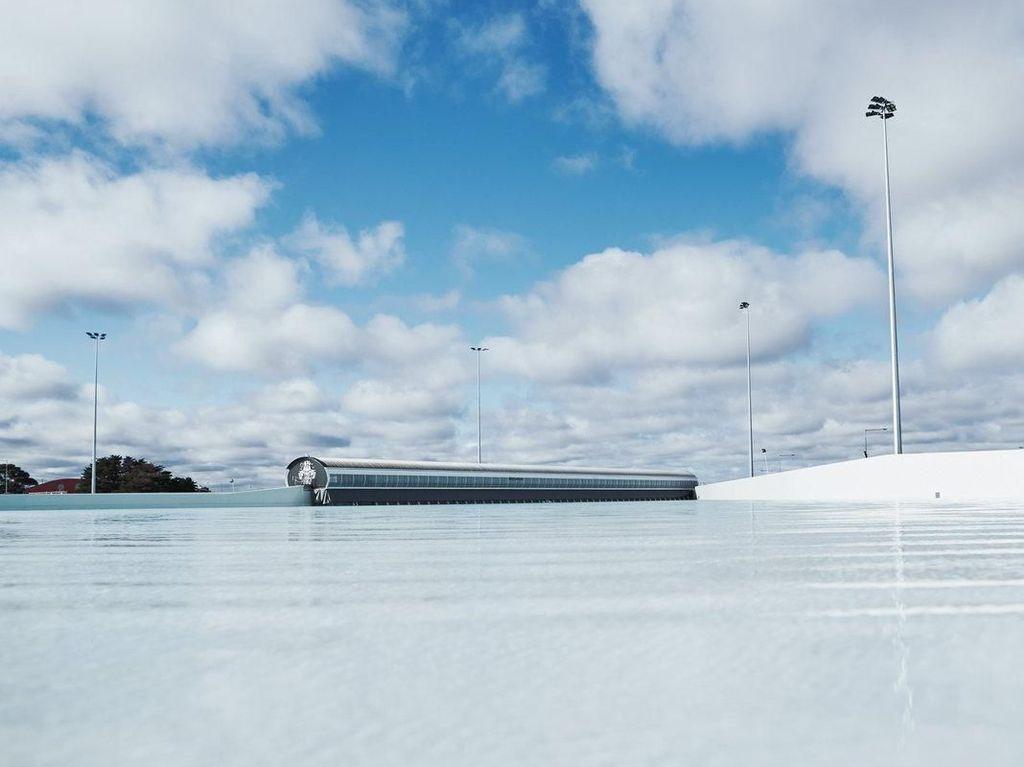 Foto: Kolam Ombak Buatan Pertama di Australia