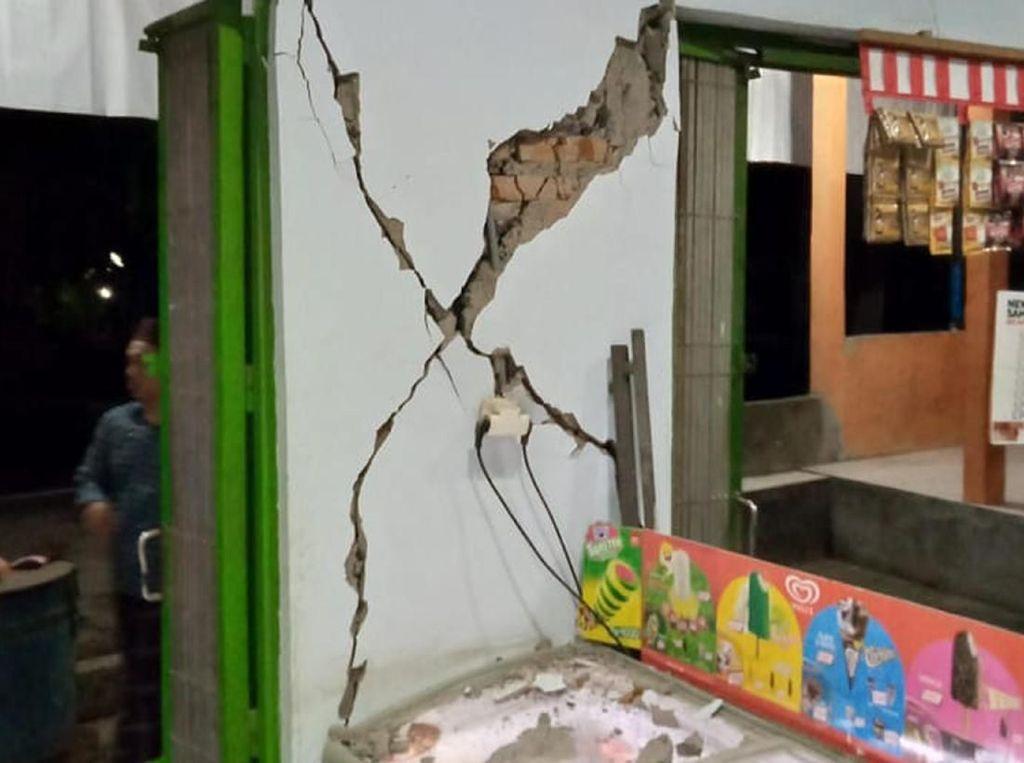 Rumah Rusak Akibat Gempa di Bali
