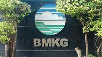 BMKG: Potensi Gelombang Laut Selatan Yogya Hingga 6 M, Sangat Tinggi!