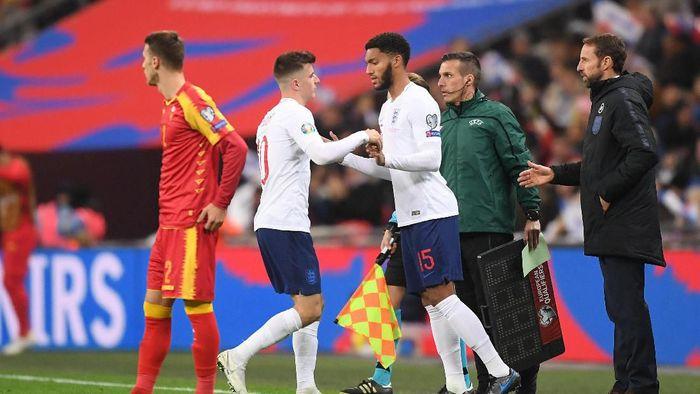 Joe Gomez dicemooh fans Inggris saat masuk sebagai pemain pengganti di laga lawan Montenegro. (Foto: Michael Regan/Getty Images)
