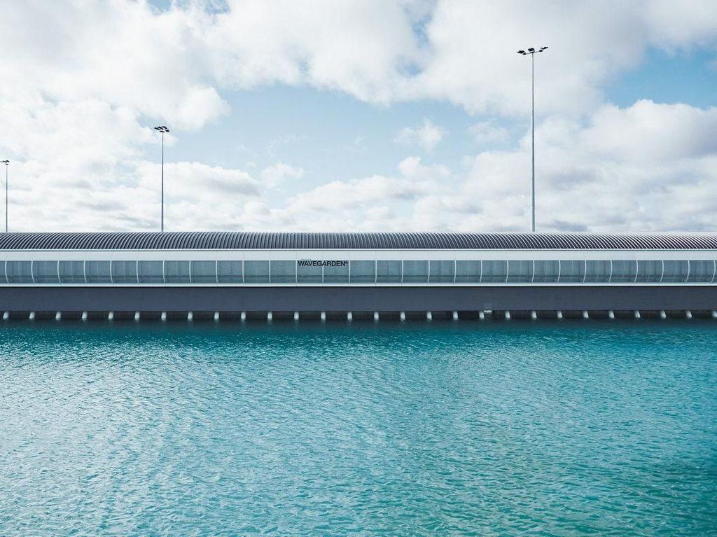 Keren! Melbourne Buat Kolam Ombak Dekat Bandara