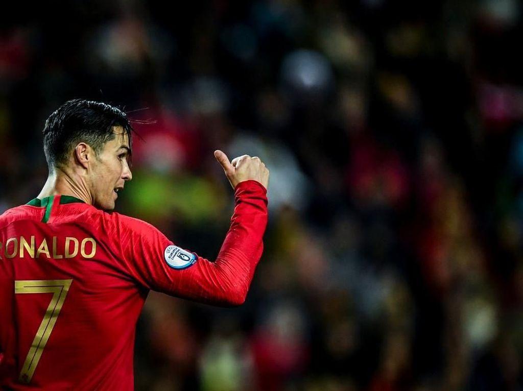 Ronaldo Dekati 100 Gol di Laga Internasional