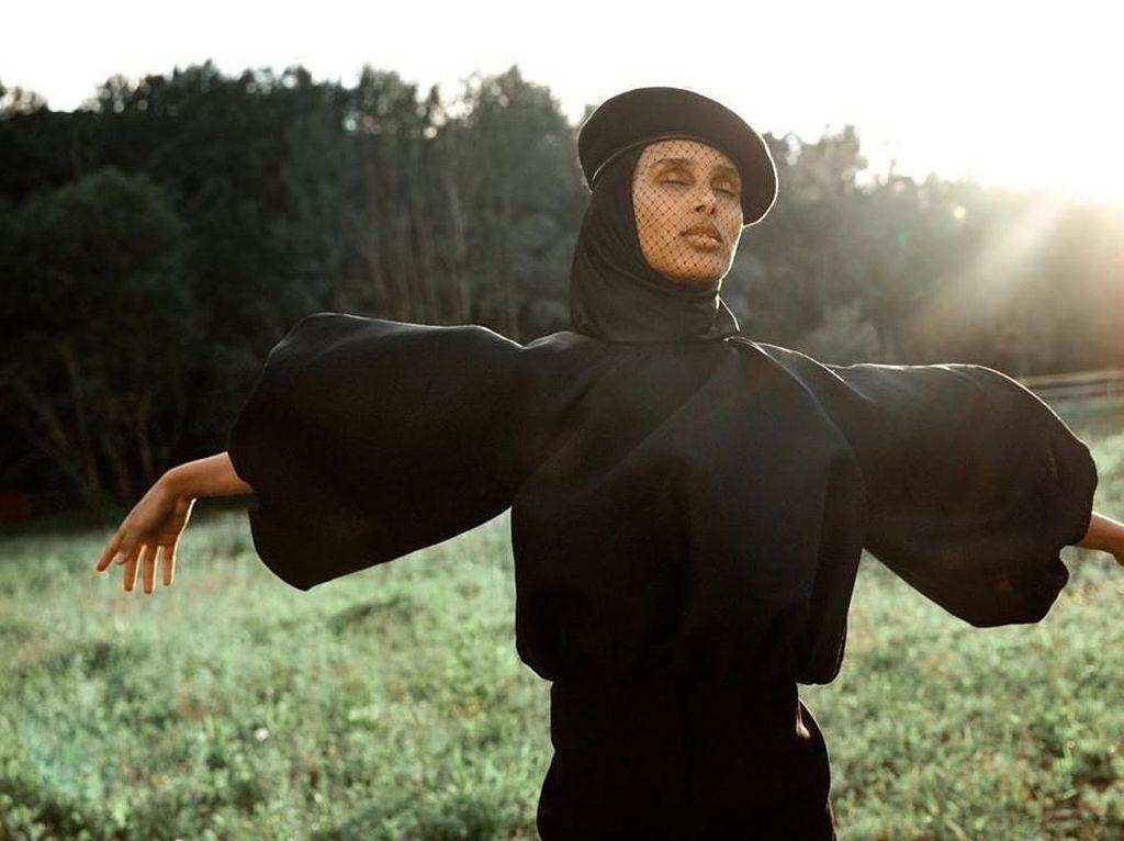 Cantik Modis Rawdah Mohamed, Model Hijab Asal Somalia yang Suka Es Krim