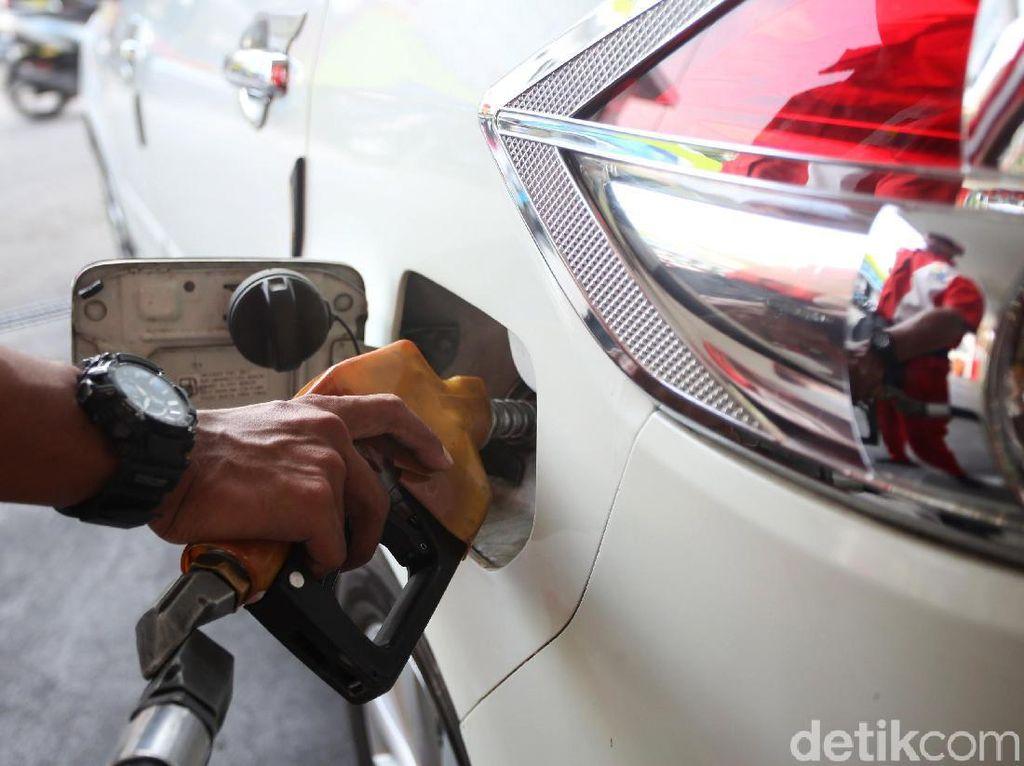 Mau Dihapus, Ini Bahaya dan Kerugian Pakai Premium untuk Mobil Kamu
