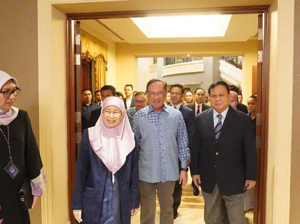 Prabowo Bertemu Anwar Ibrahim-Wan Azizah di Malaysia