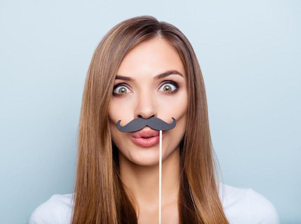 Wanita Punya Kumis Atau Rambut Dada yang Lebat, Hati-hati Tanda Tak Subur