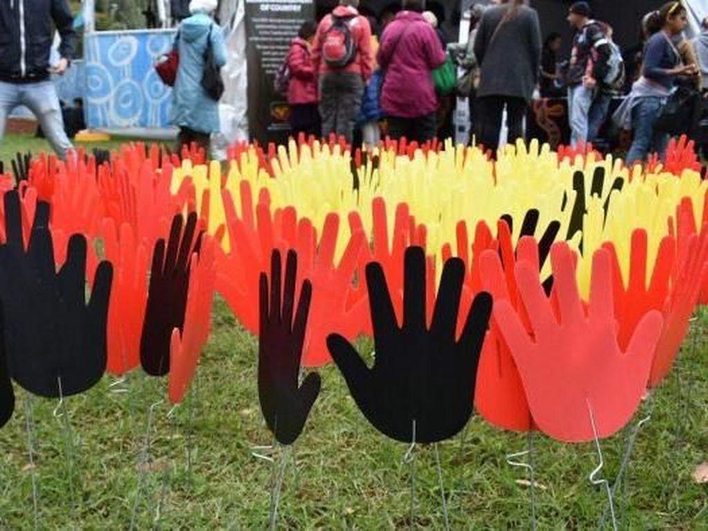 Temuan Baru Tunjukkan Bayi Aborigin Dipisahkan Secara Tak Etis dari Ibunya
