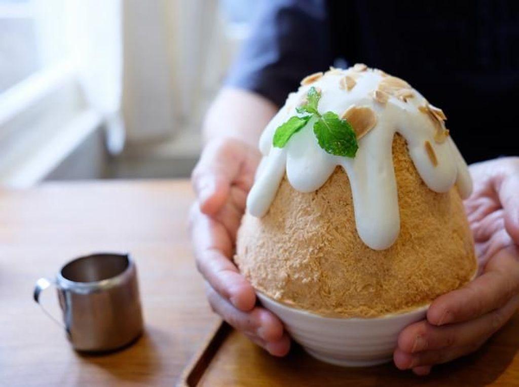 Manis Segar Patbingsu, Racikan Es Serut Korea dengan Aneka Topping