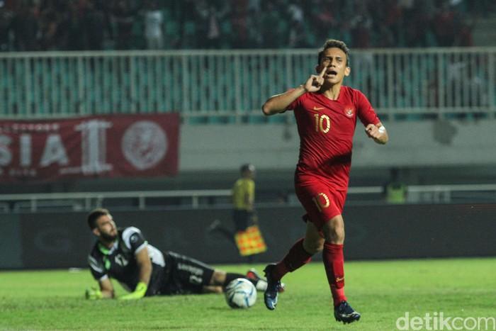Egy Maulana Vikri dalam uji coba Timnas Indonesia U-23 vs Iran di Stadion Pakansari , Cibinong, Sabtu (16/11/2019).