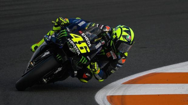 Monster Energy Yamaha's Italian rider Valentino Rossi rides during the second free practice of the Valencia Grand Prix, at the Ricardo Tormo racetrack, in Cheste near Valencia, on November 15, 2019. (Photo by PIERRE-PHILIPPE MARCOU / AFP)