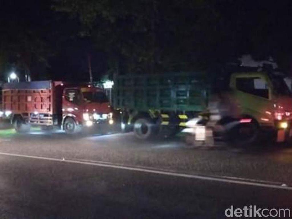 Kelangkaan Solar Terjadi di Pasuruan, Antrean Kendaraan Hingga 1 KM