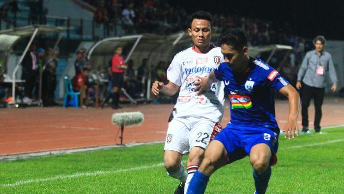 Bali United tumbang di markas PSIS Semarang. (Foto: Andreas Fitri Atmoko/ANTARA FOTO)