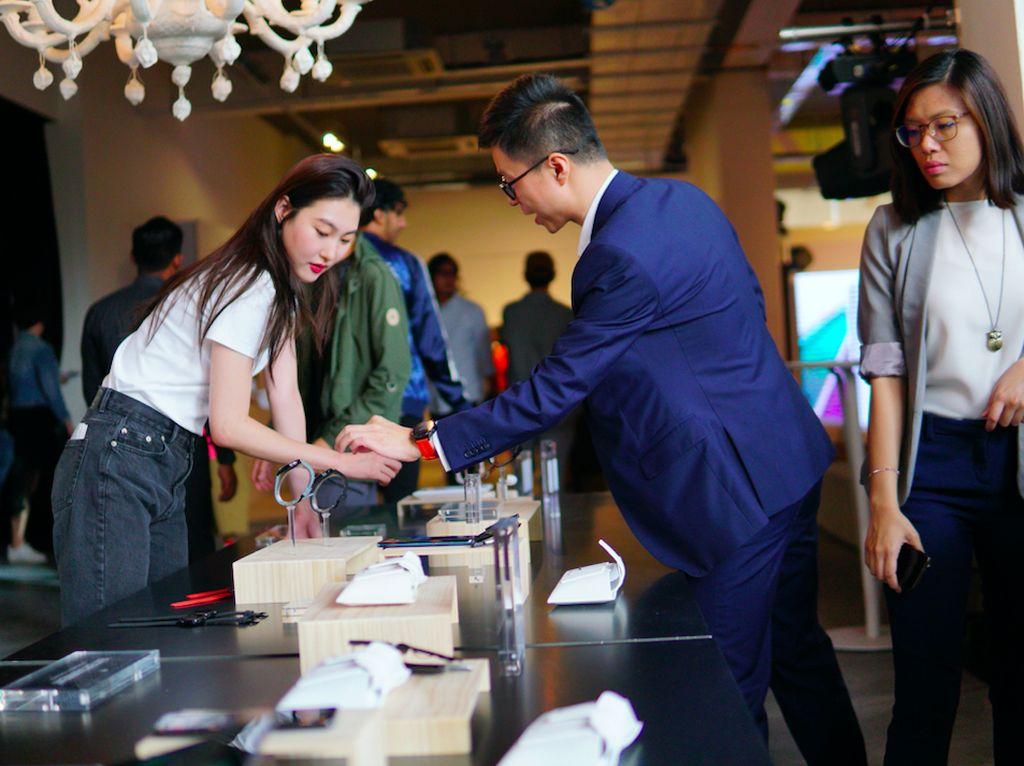 Gaya Pameran Teknologi Huawei yang Fashionable