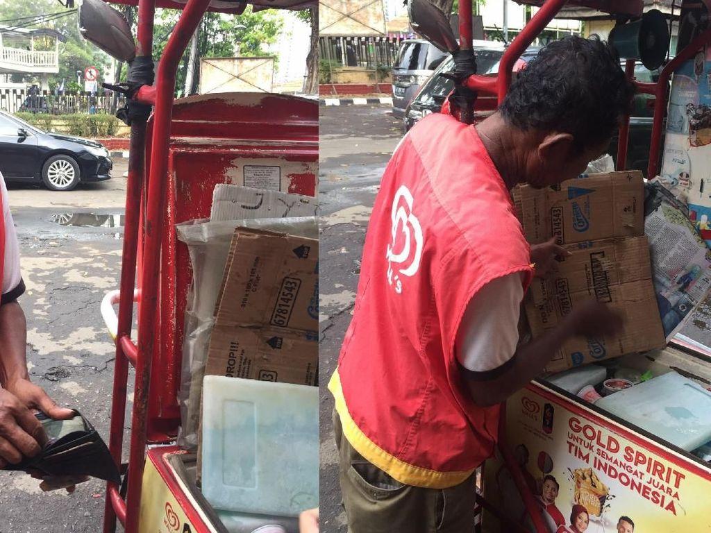 Tak Kunjung Laku, Penjual Es Krim Ini Berjualan 3 Hari Tanpa Pulang