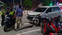 Diduga Sopir Mabuk, MPV Terguling diSimpang Dumpil Madiun