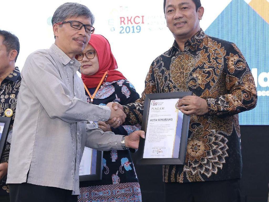 Kota Semarang Boyong 9 Penghargaan Kota Cerdas Indonesia dari ITB