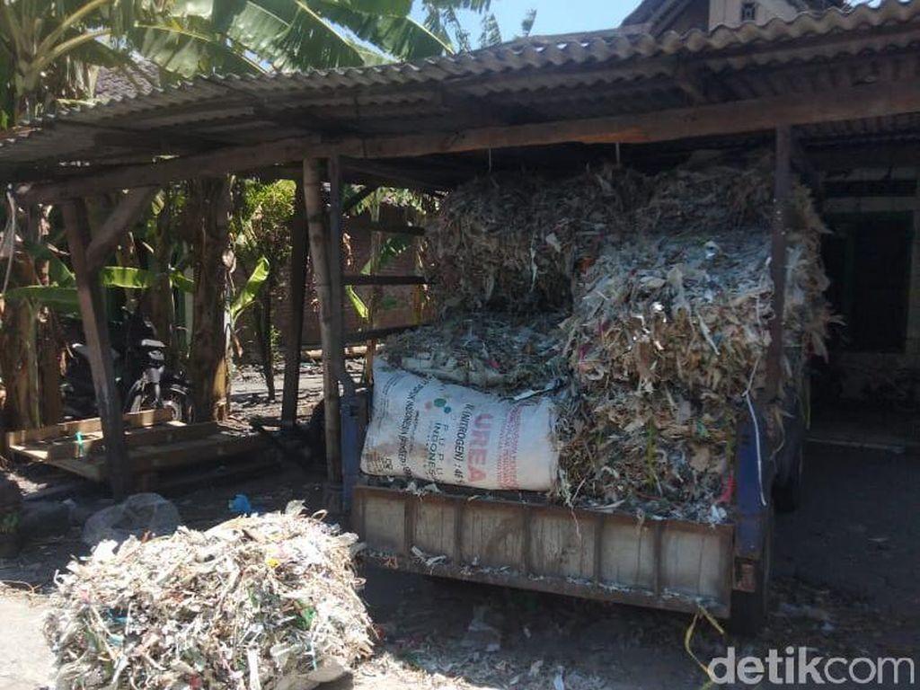 Menengok Pabrik Tahu di Sidoarjo yang Masih Berbahan Bakar Sampah Plastik Impor