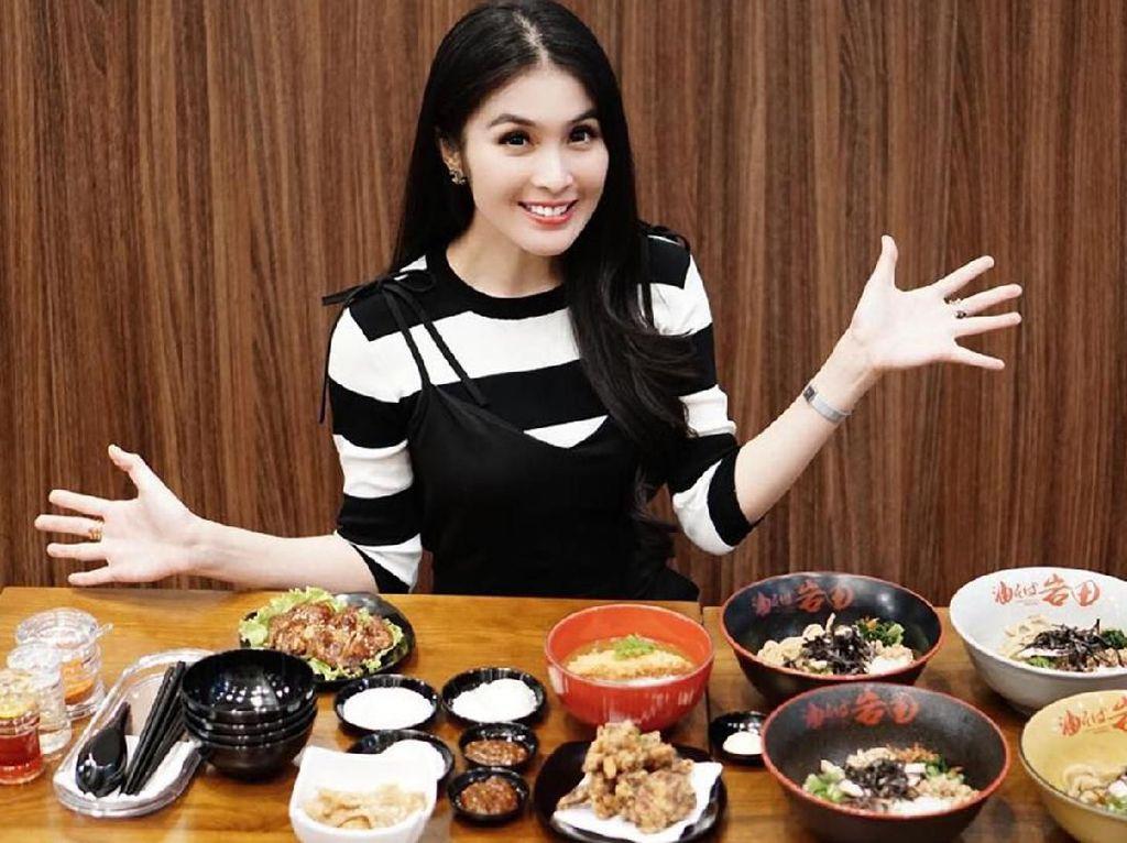 Bergelimang Harta, Sandra Dewi Tetap Kulineran Sederhana, Ini 5 Buktinya!