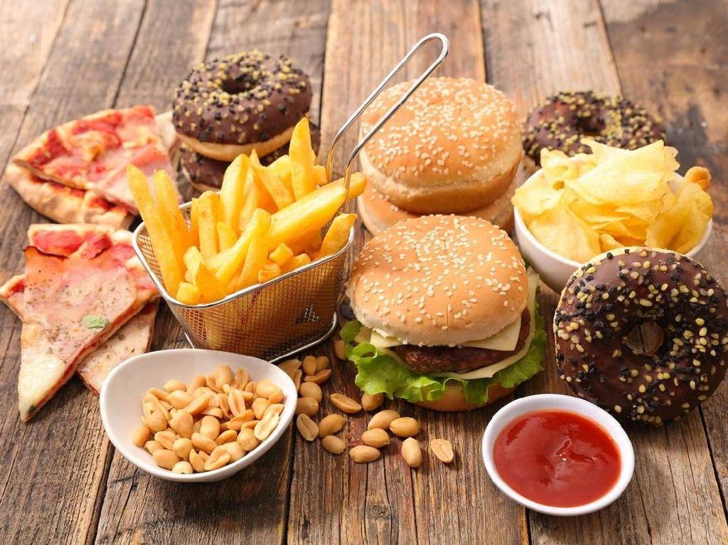 5 Makanan dan Minuman yang Perlu Dihindari Setelah Divaksin