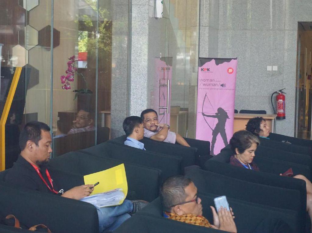 KPK Periksa Gamawan Fauzi Jadi Saksi Kasus Korupsi Proyek Gedung IPDN