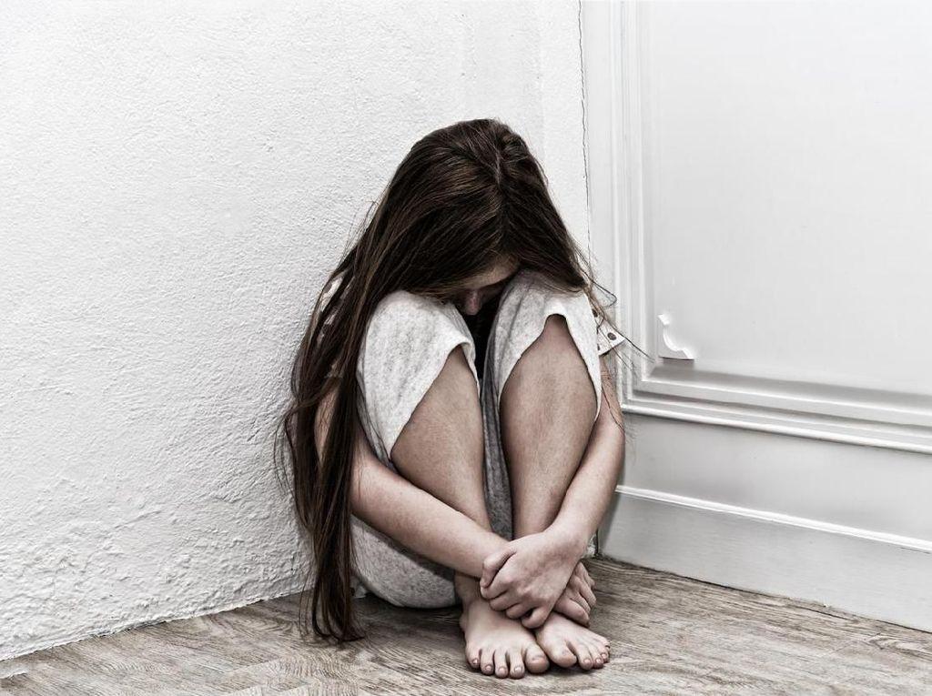 Gemerlap Dunia Selebriti dan Jurang Gelap Depresi