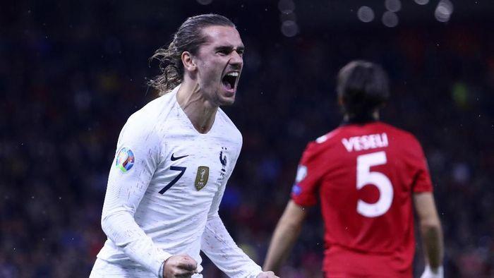 Antoine Griezmann menjadi bintang kemenangan 2-0 Prancis atas Albania. (Foto: Hektor Pustina/AP Photo)