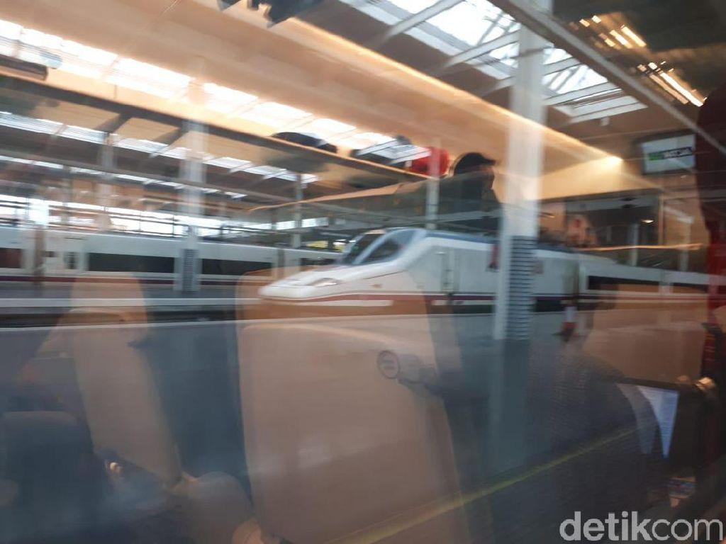 Serunya Naik Kereta Valencia-Madrid Rp 715 Ribuan