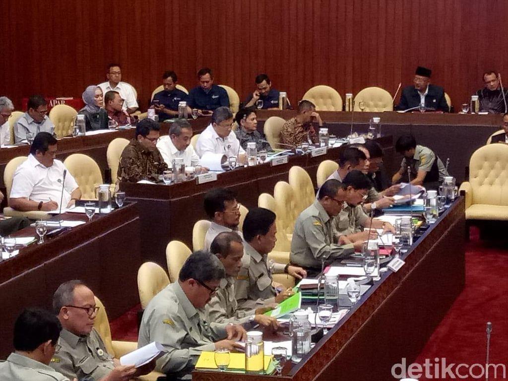 Mentan Rapat Bareng Komisi IV DPR Bahas Evaluasi BPK