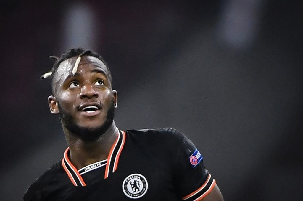 Chelsea's Belgian striker Michy Batshuayi reacts at the end of the UEFA Champions League Group H football match between Ajax Amsterdam and Chelsea on October 23, 2019 at the Johan Cruijff Arena, in Amsterdam. (Photo by John THYS / AFP)