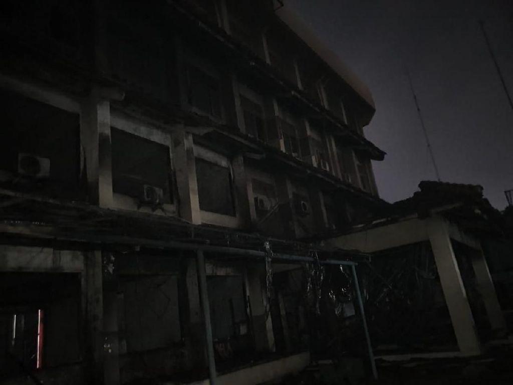 Saksi Cerita Kepanikan Guru-Murid Korban Kebakaran SMK Yadika 6 Bekasi