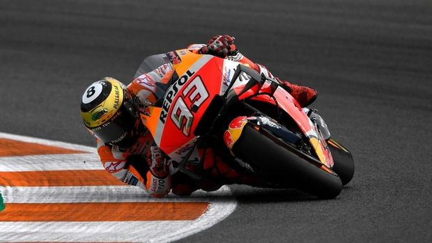 Repsol Honda Team's Spanish rider Marc Marquez rides during the MotoGP race of the MotoGP Valencia Grand Prix at the Ricardo Tormo racetrack in Cheste near Valencia, on November 17, 2019. (Photo by PIERRE-PHILIPPE MARCOU / AFP)