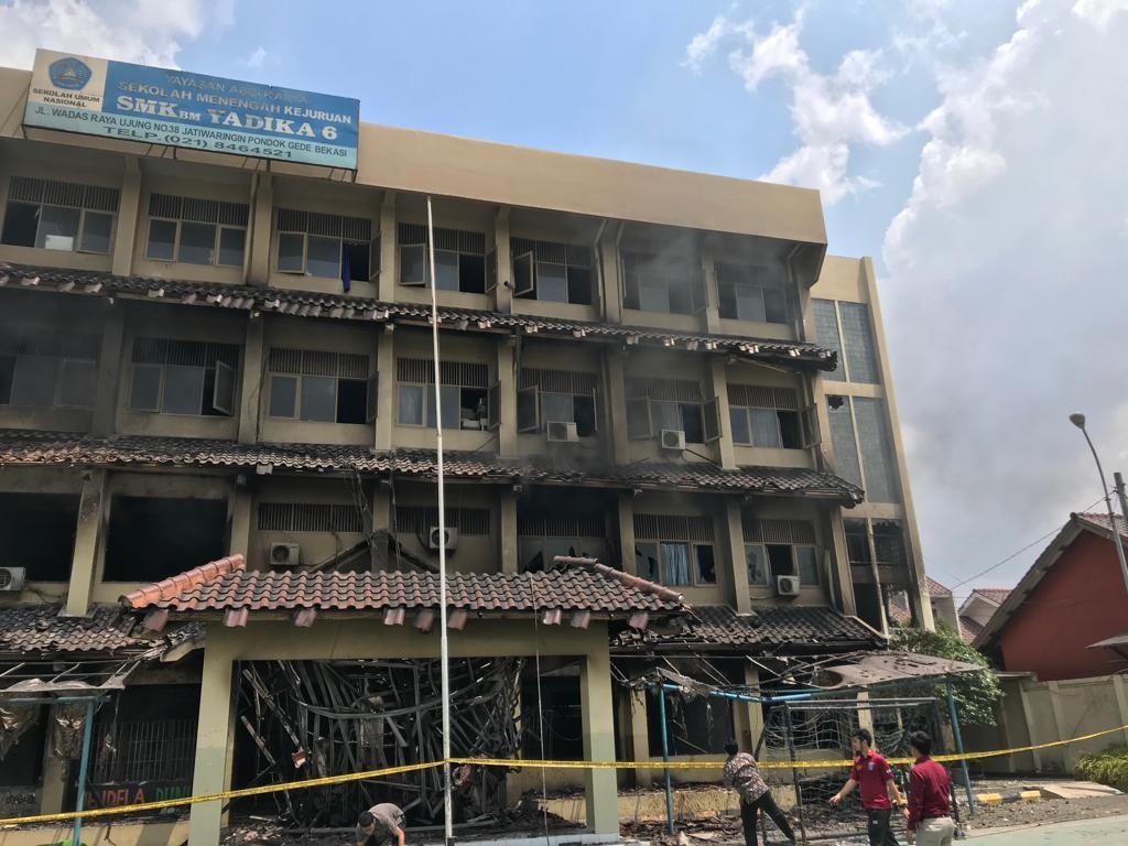 Kebakaran Hebat SMK 6 Yadika Bikin Siswa Belajar di Aula