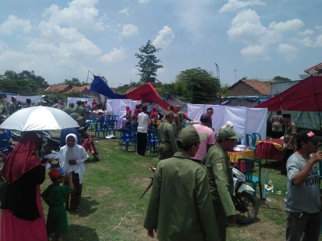 Angin Kencang Robohkan Tenda di 5 TPS Pilkades Kudus