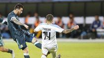 Jatuh Bangun Messi Gocek 5 Pemain Uruguay