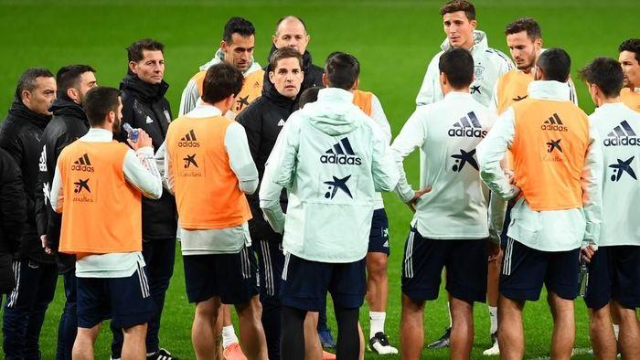 Robert Moreno kabarnya sudah berpamitan kepada para pemain timnas Spanyol di tengah isu kembalinya Luis Enrique (Foto: GABRIEL BOUYS / AFP)