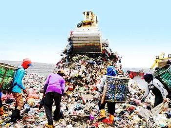 Jakarta Berpacu dengan Ancaman Banjir Sampah